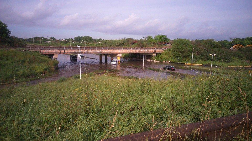 Ingreso a Hurlingham inundado 2