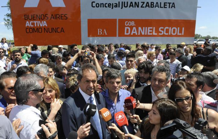 Daniel Scioli en Hurlingham con Juan Zabaleta