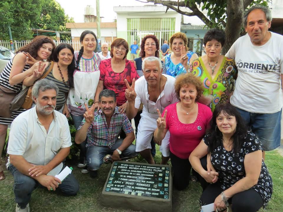 Militantes peronistas presentes en el homenaje