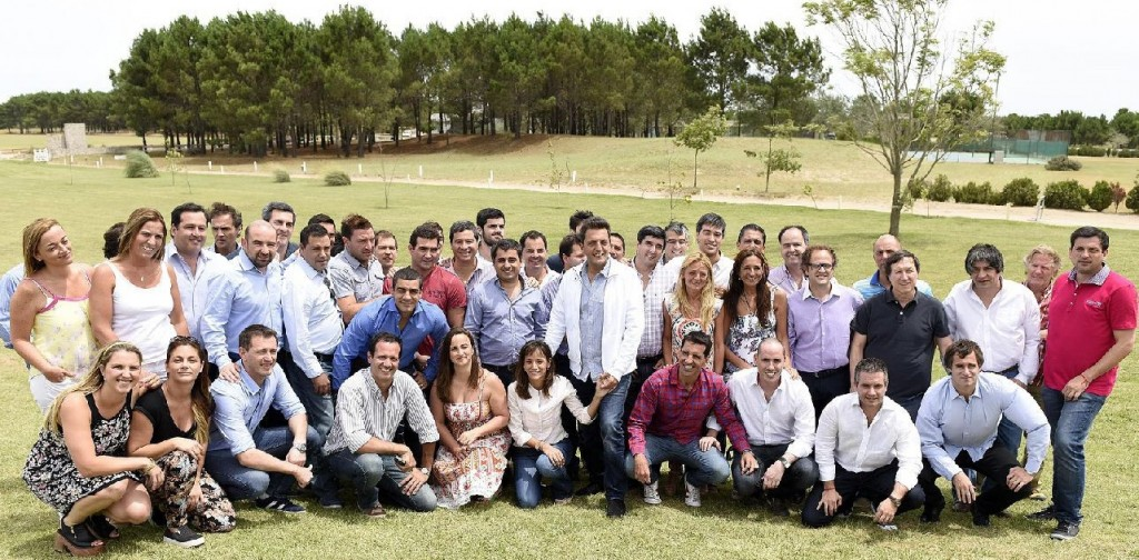Massa con dirigentes jovenes en Pinamar